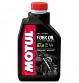 Motul Fork Oil Expert Light 5W Синтетическое масло для мотовилок
